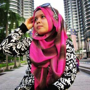 Me wearing monochrome outfit and sunglasses in KL, Malaysia